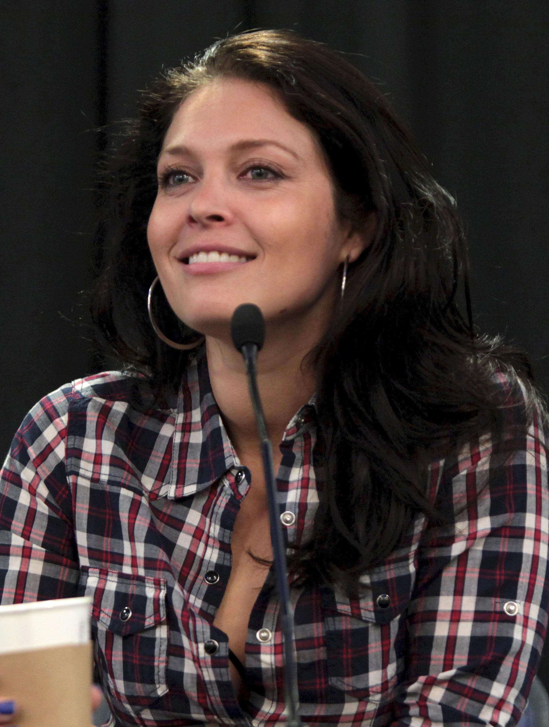 Photo of Alaina Huffman: Canadian actress