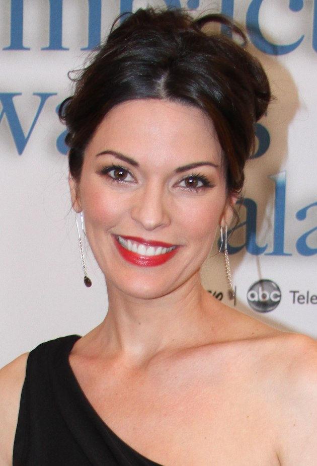Photo of Alana de la Garza: American actress