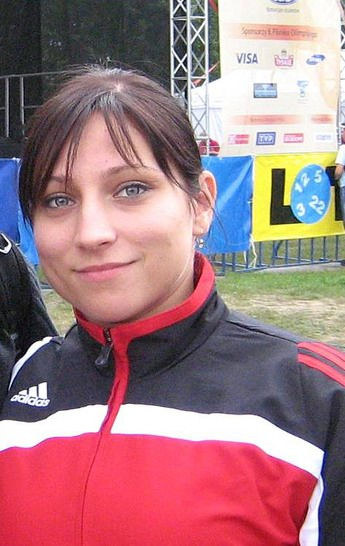 Photo of Aleksandra Klejnowska: Polish weightlifter