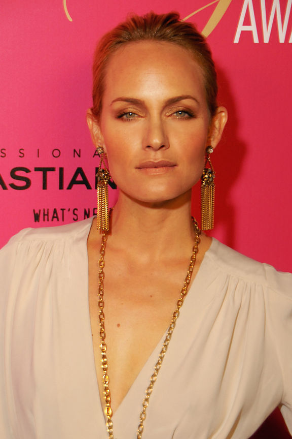 Photo of Amber Valletta: American model and actress