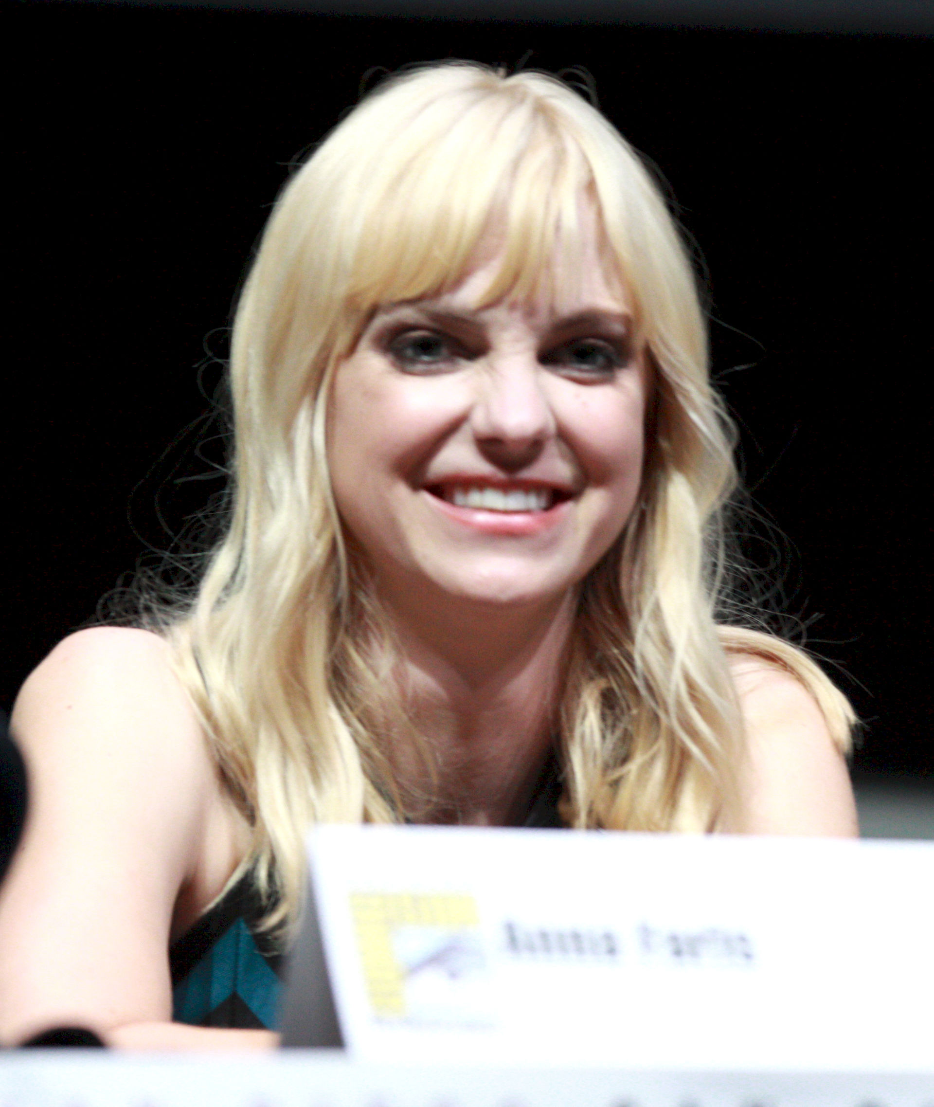 Photo of Anna Faris: American actress, comedian and singer