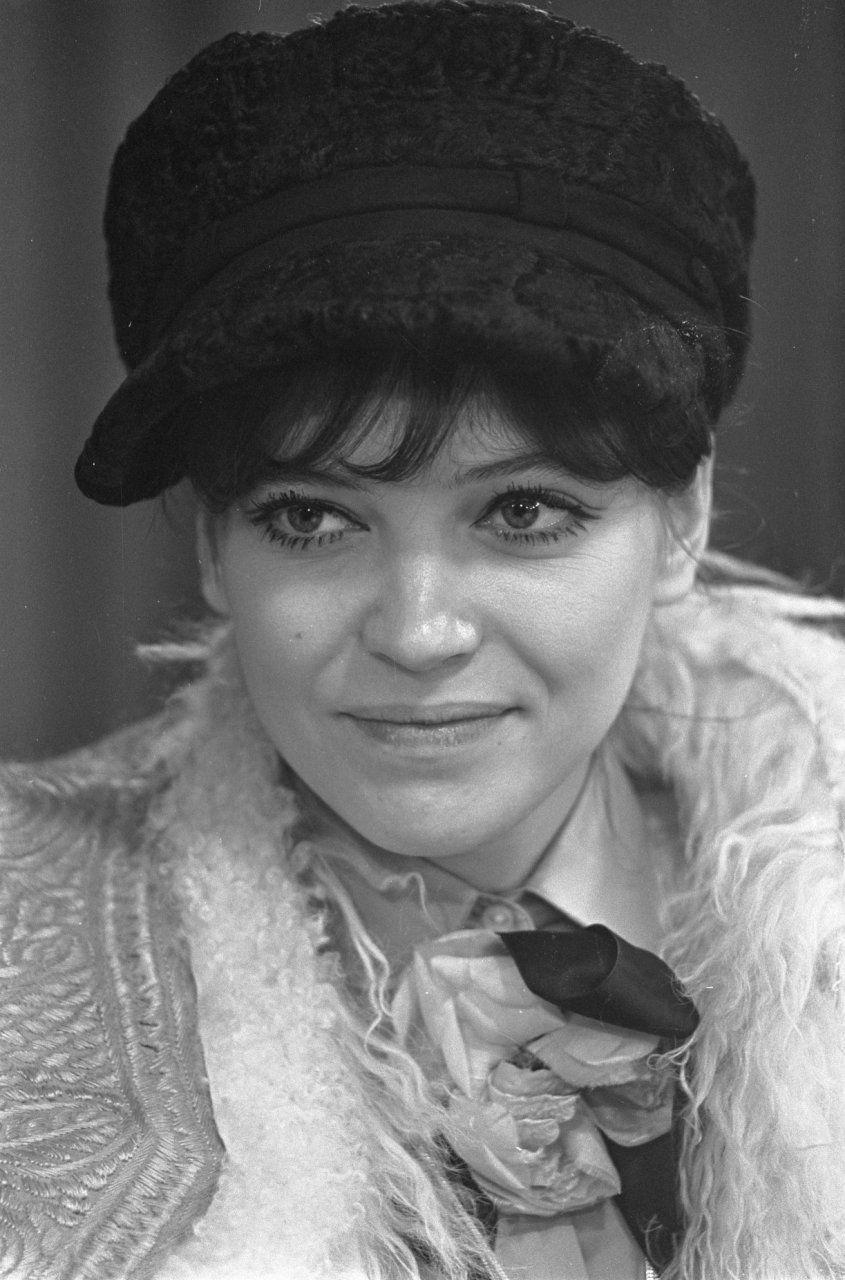 Photo of Anna Karina: Danish-French actress