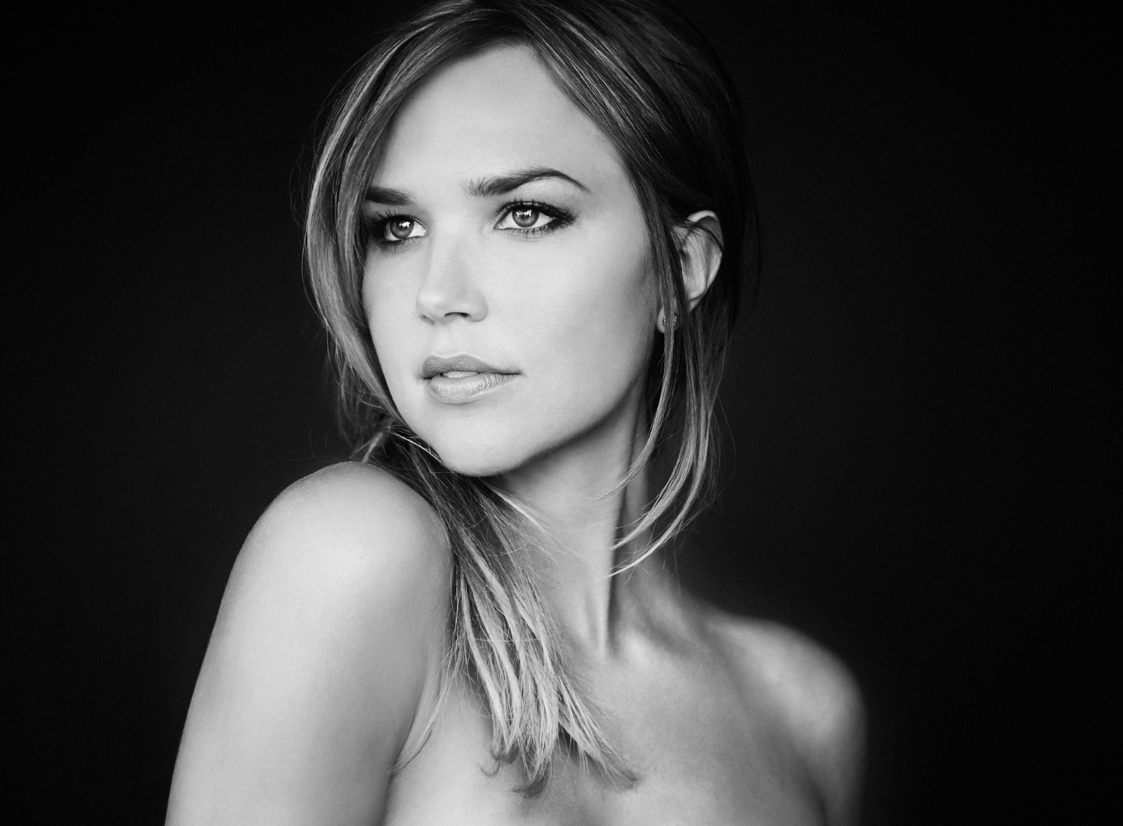 Photo of Arielle Kebbel: American actress and model