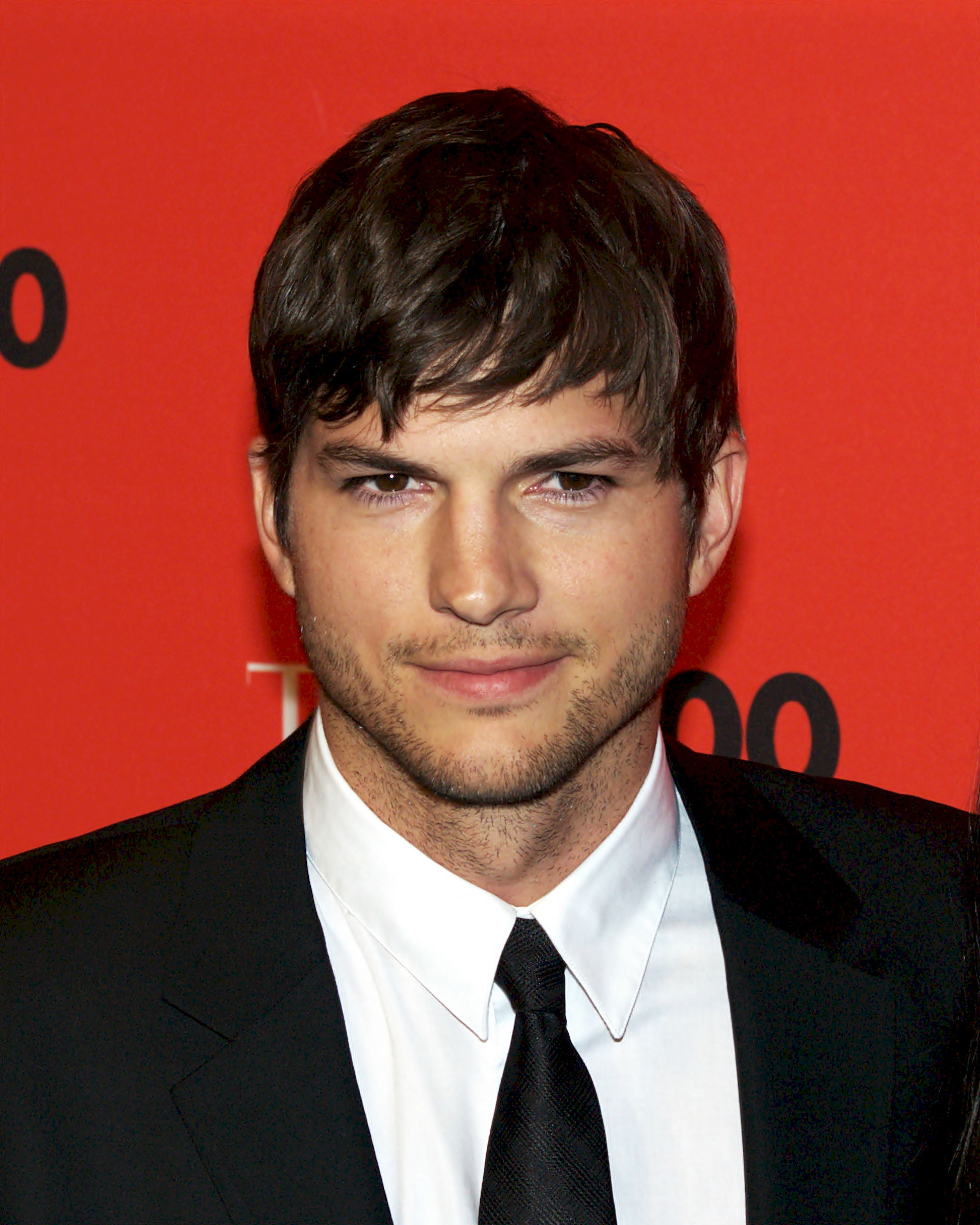 Photo of Ashton Kutcher: Actor from the United States