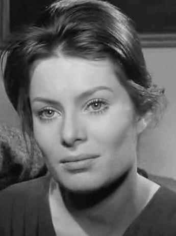 Photo of Belinda Lee: English actress