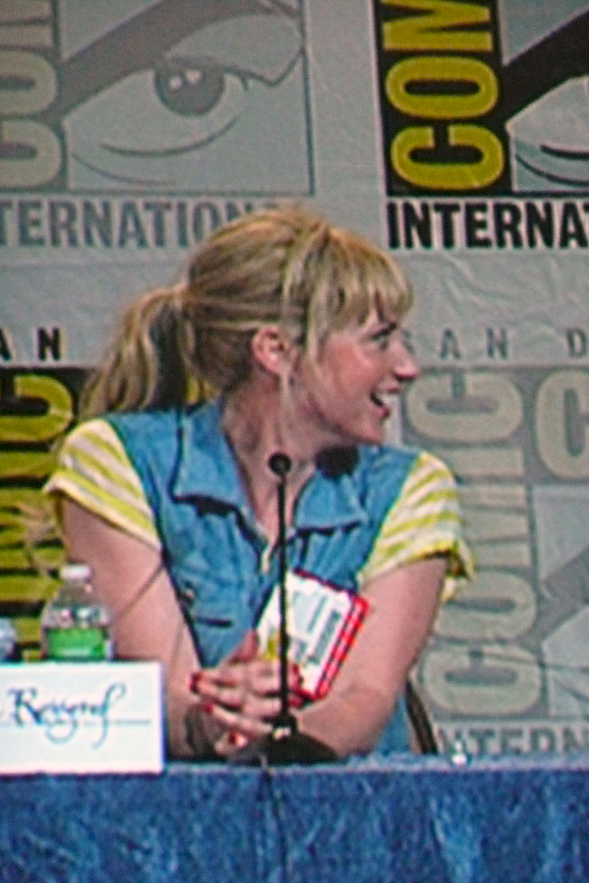 Photo of Beth Riesgraf: American actress