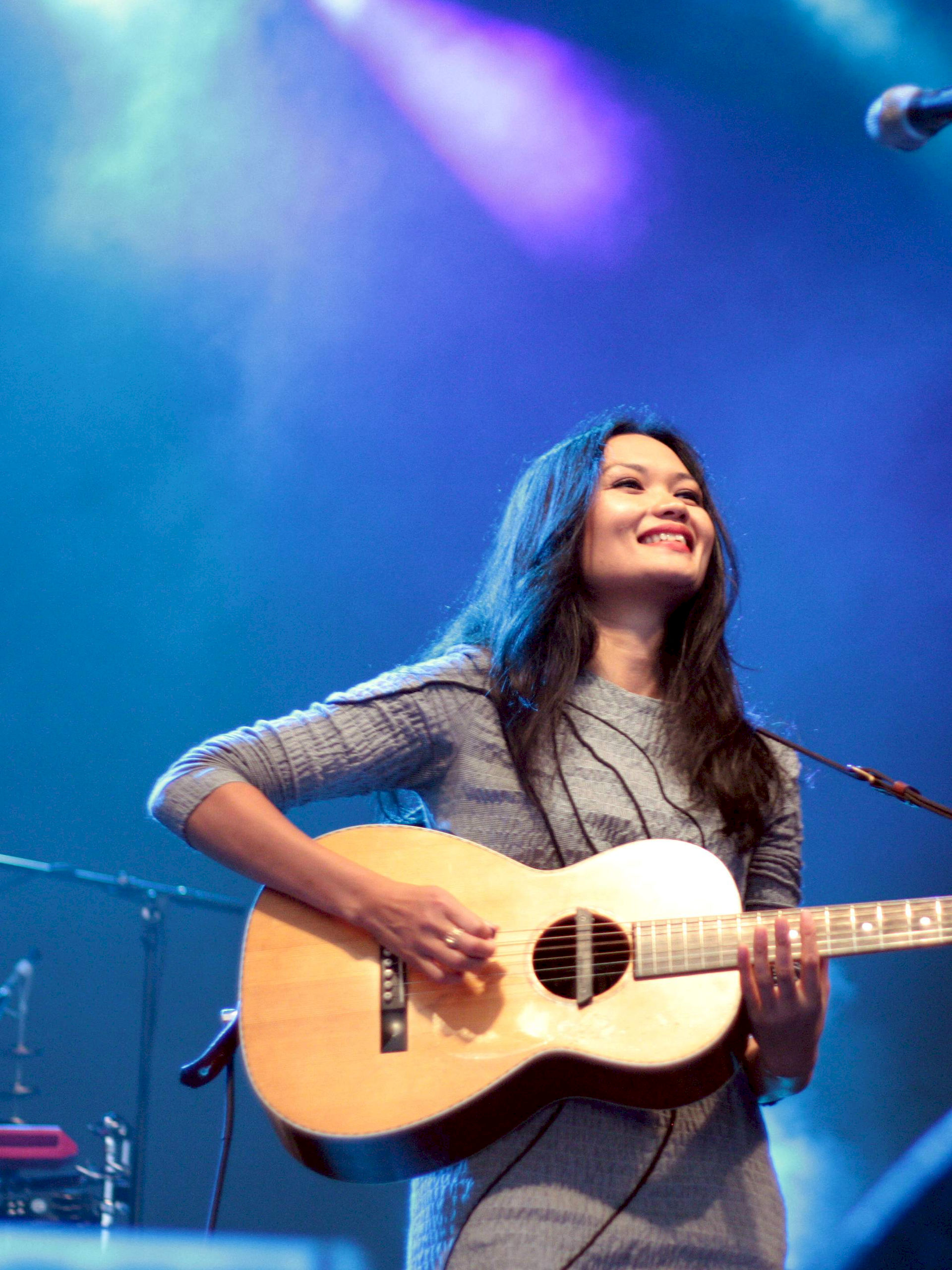 Photo of Bic Runga: New Zealand singer-songwriter