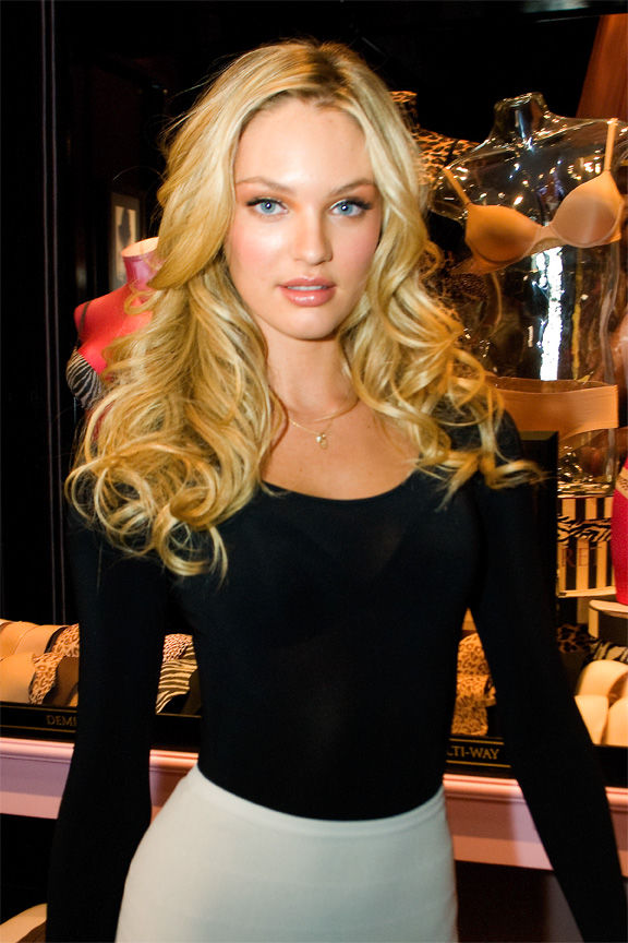 Photo of Candice Swanepoel: South African Supermodel