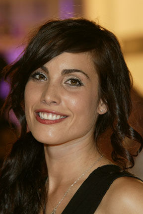 Photo of Carly Pope: Canadian actress