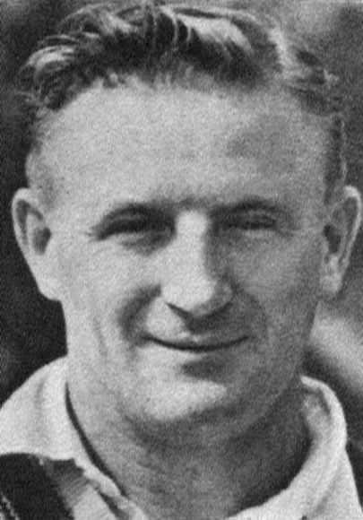 Photo of Colin McCool: Australian cricketer