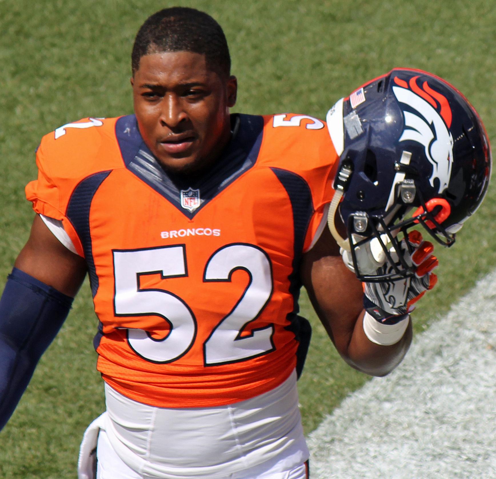 Photo of Corey Nelson: American football player