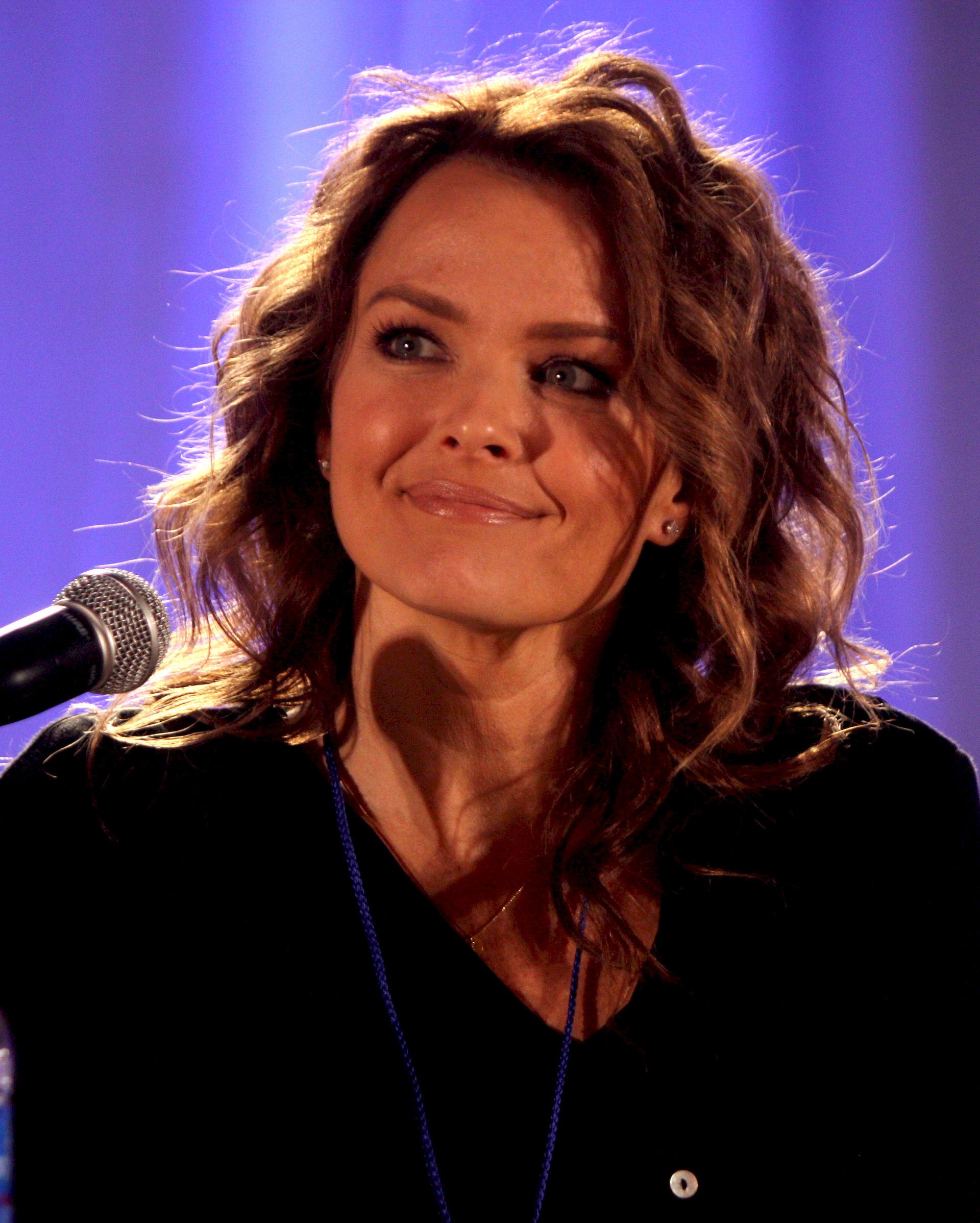 Photo of Dina Meyer: American actress