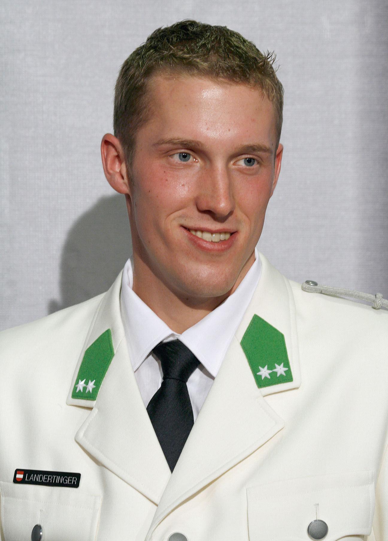 Photo of Dominik Landertinger: Austrian biathlete