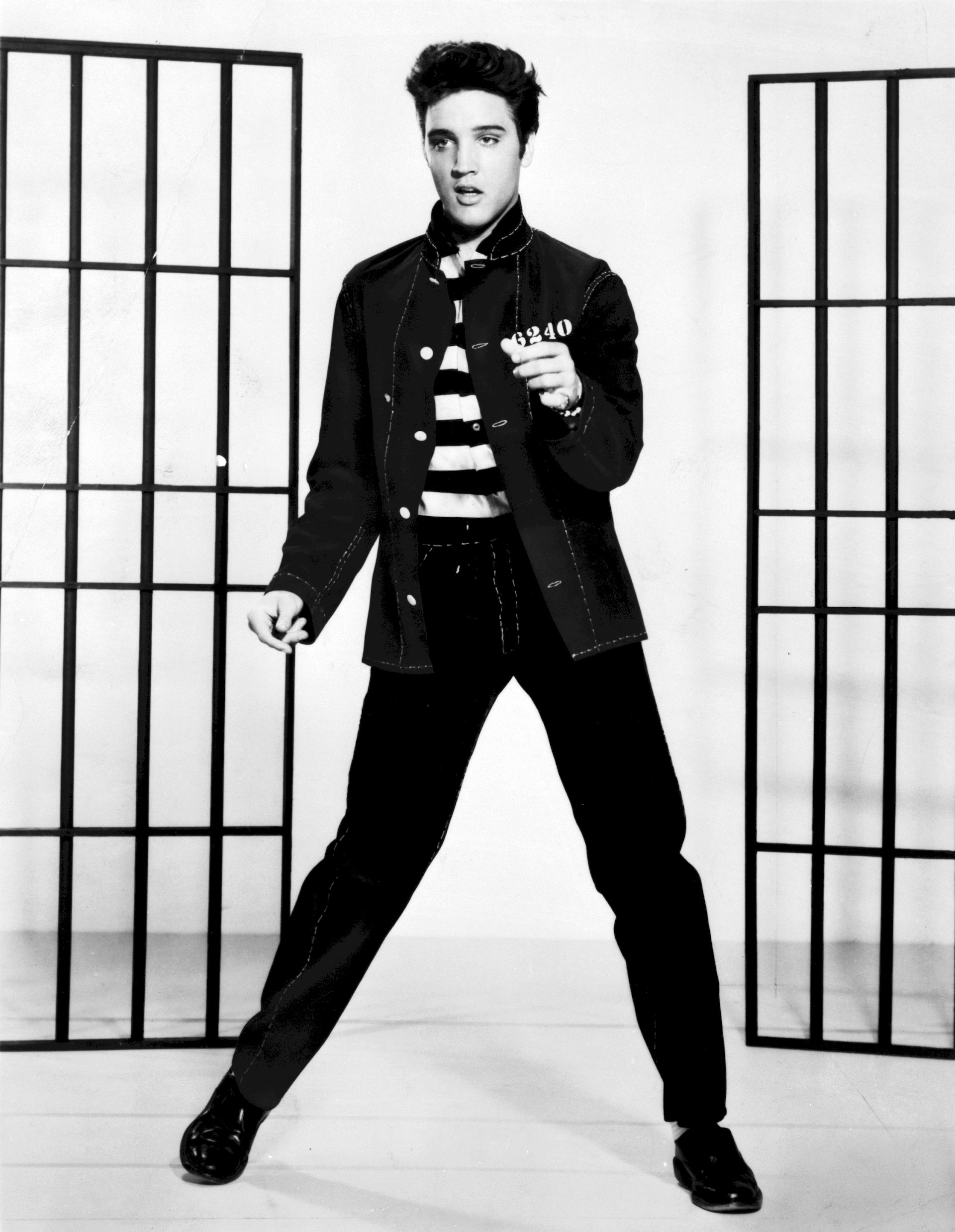 Photo of Elvis Presley: Singer from the United States