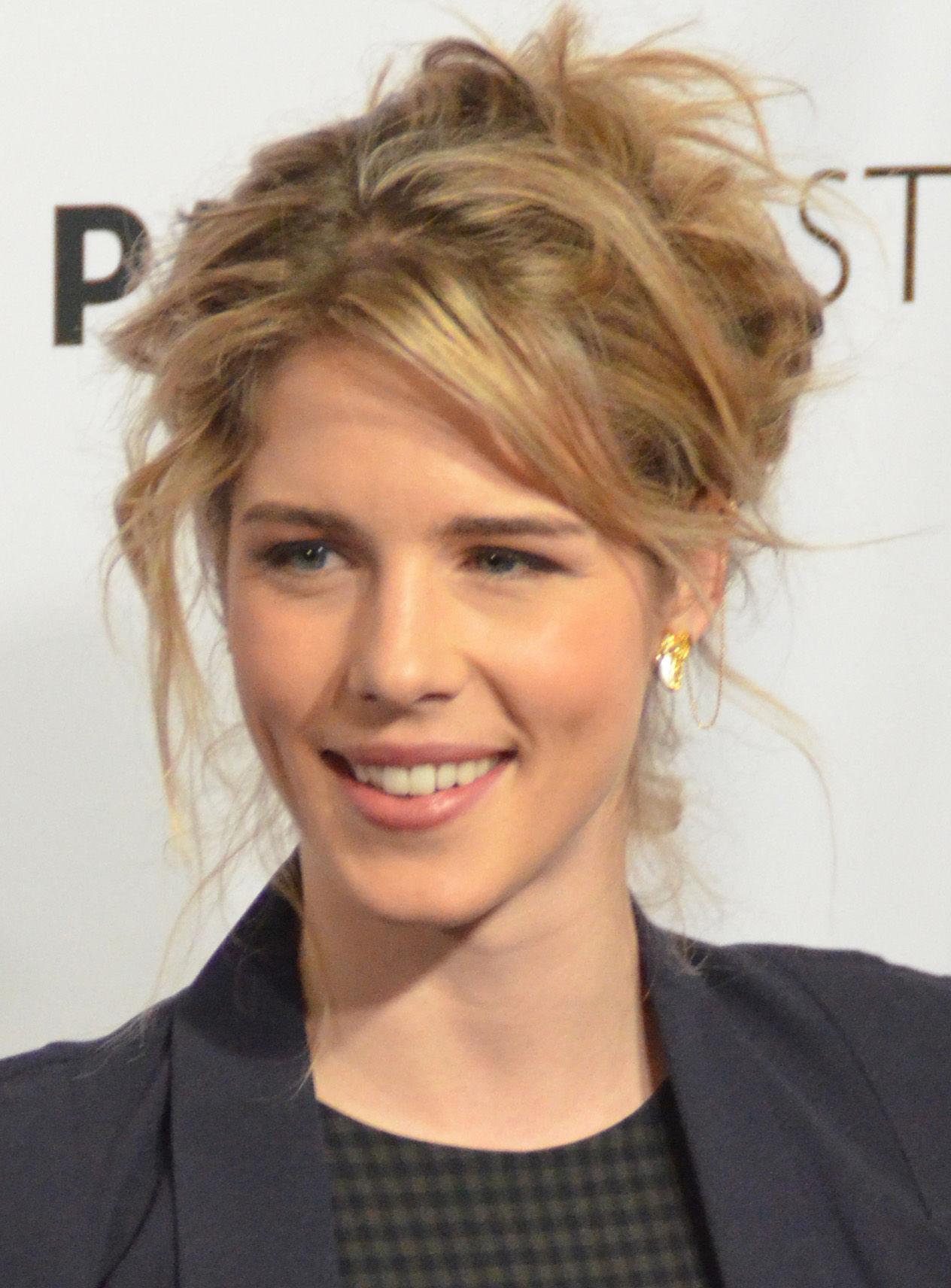 Photo of Emily Bett Rickards: Canadian actress