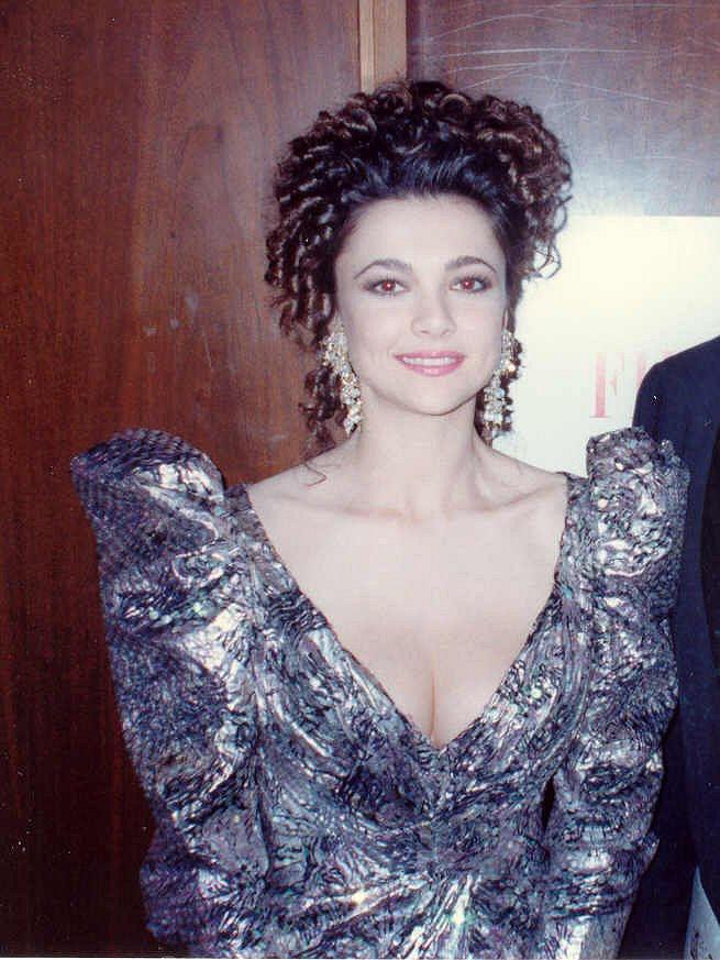 Photo of Emma Samms: American actress
