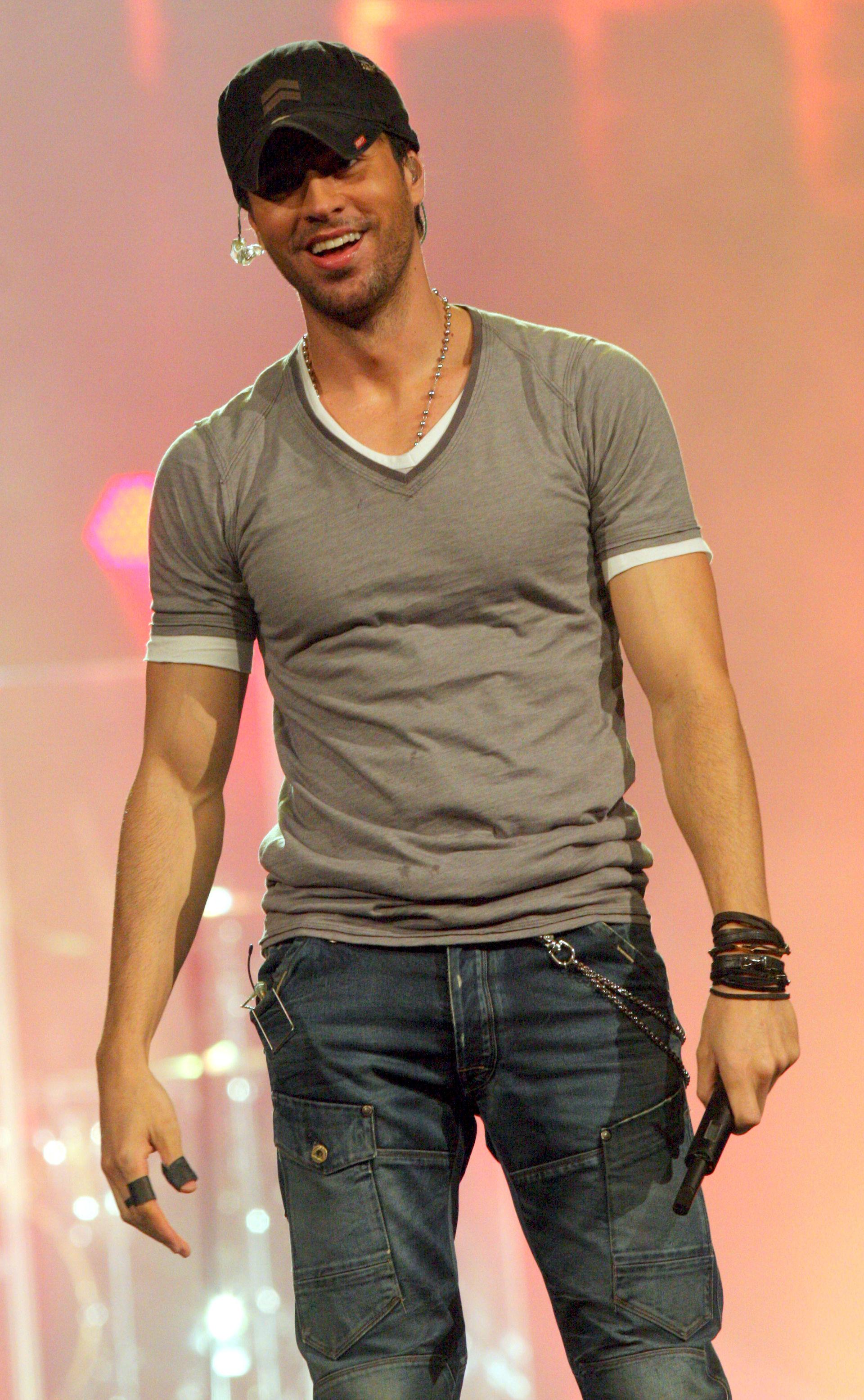 Photo of Enrique Iglesias: Spanish singer-songwriter