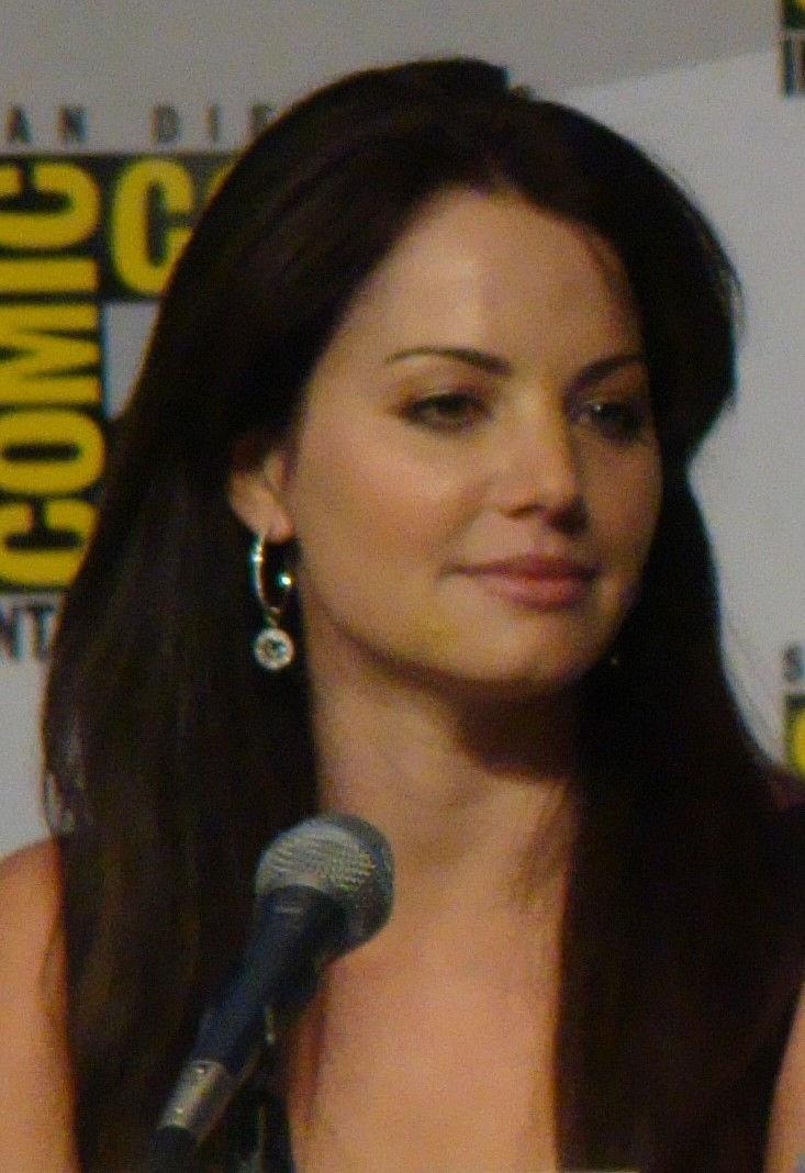 Photo of Erica Durance: Actress