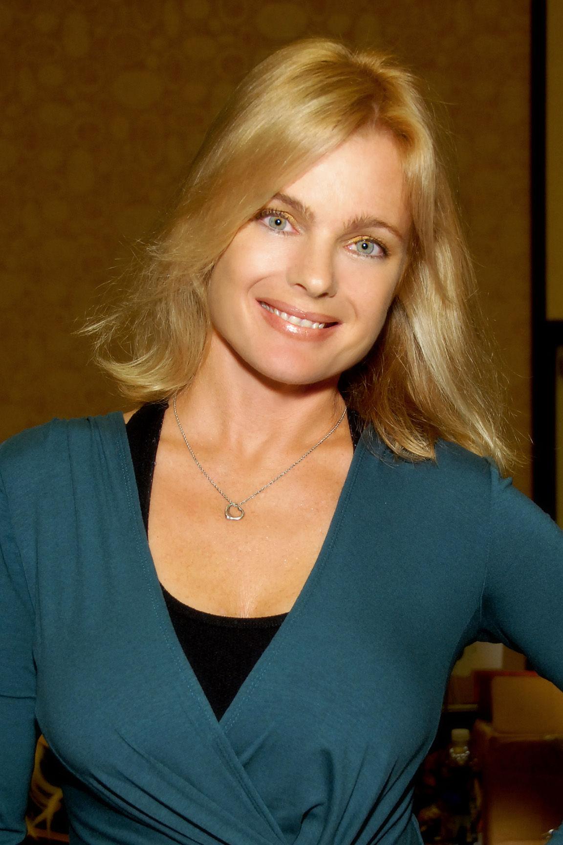 Photo of Erika Eleniak: American actress