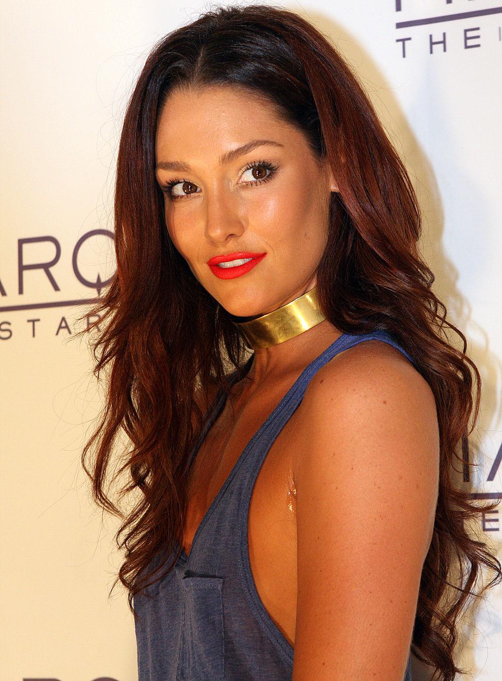 Photo of Erin McNaught: Australian actress