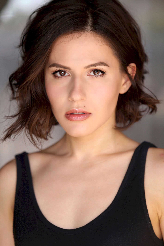 Photo of Erin Sanders: Actress