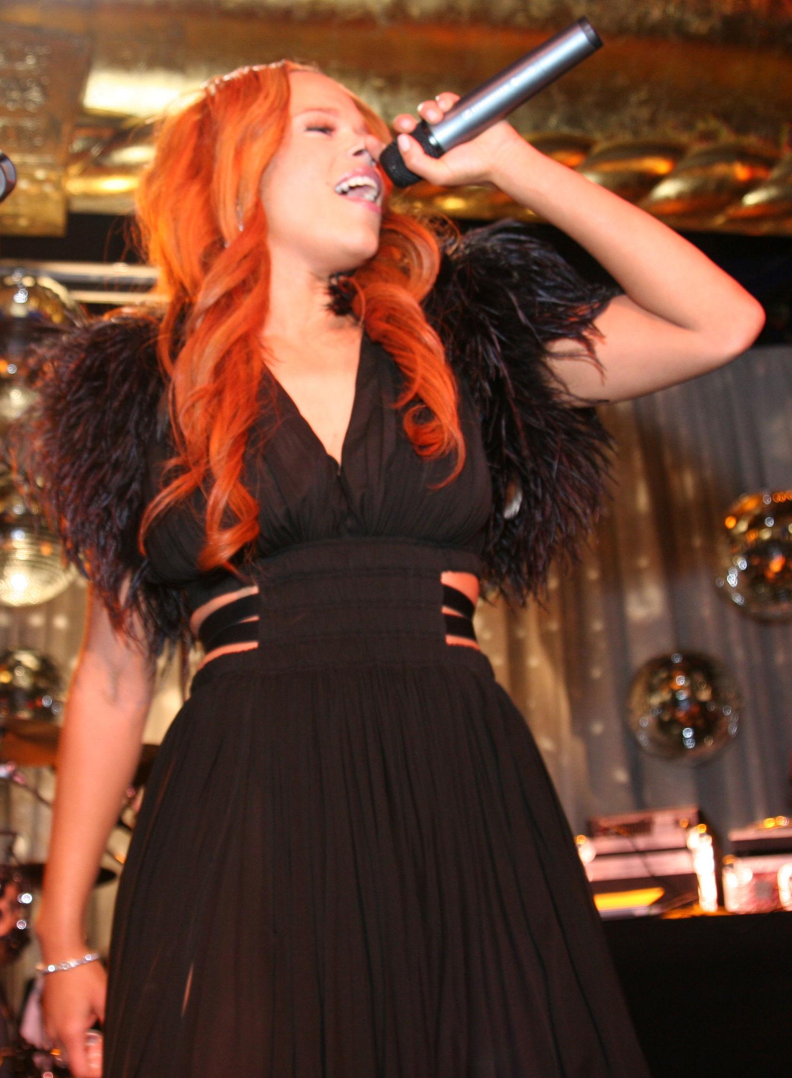 Photo of Faith Evans: American singer