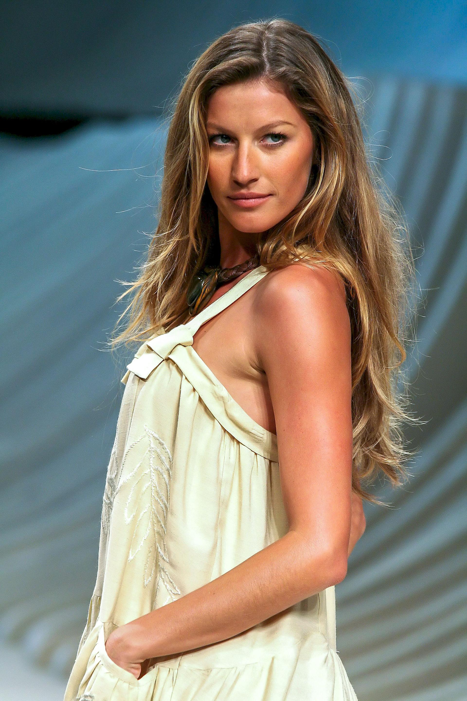 Photo of Gisele Bündchen: Brazilian fashion model