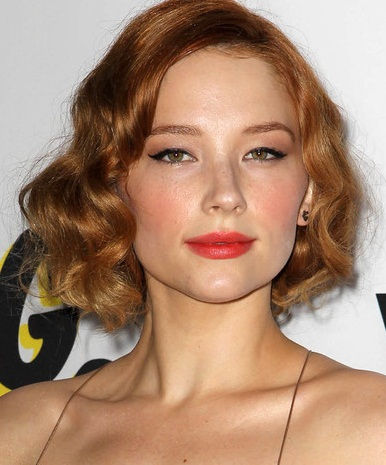 Photo of Haley Bennett: American singer and actress