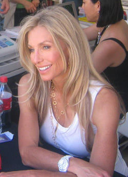 Photo of Heather Thomas: American actress