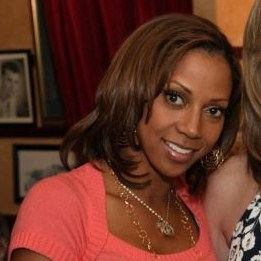 Photo of Holly Robinson Peete: American actress