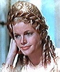 Photo of Honor Blackman: English actress