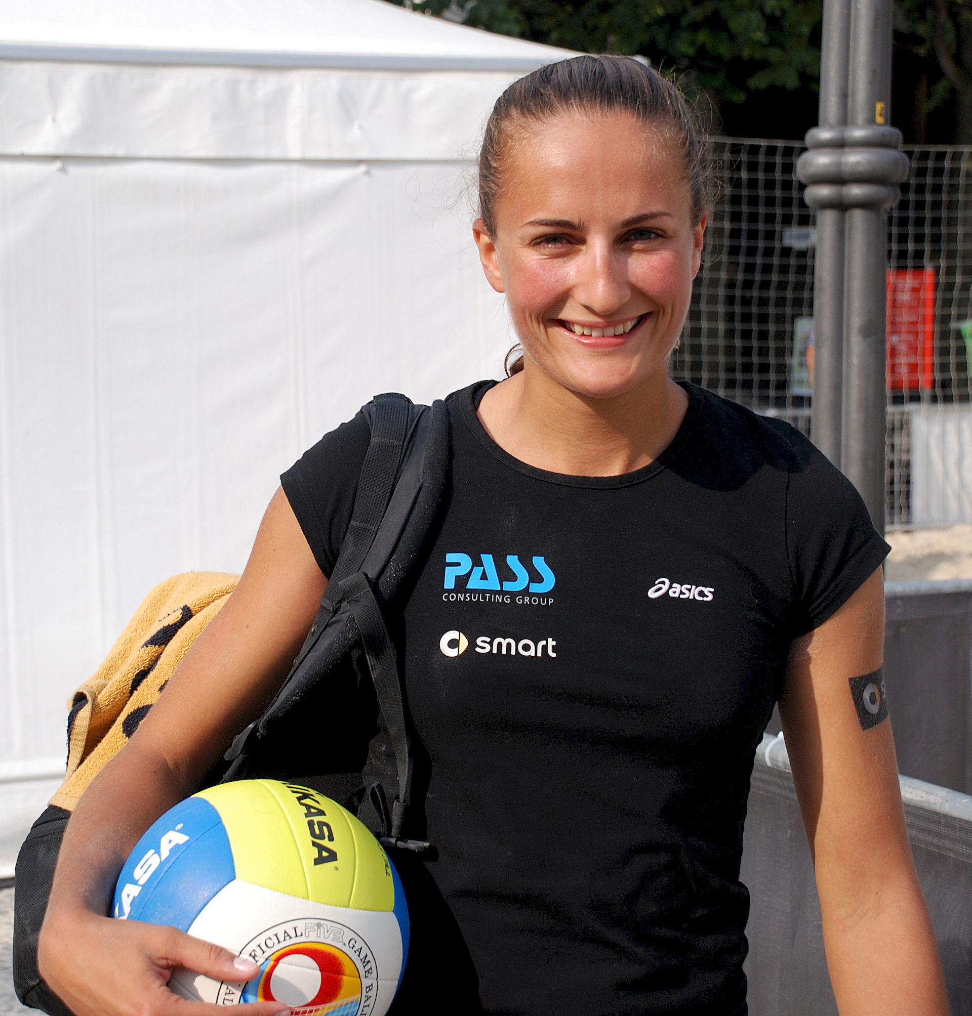 Photo of Ilka Semmler: German beach volleyball player
