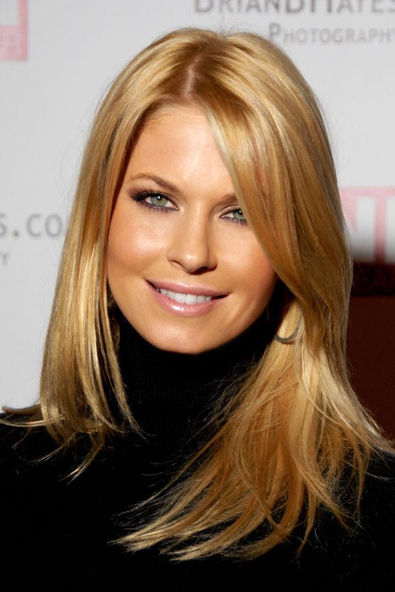 Photo of Jennifer England: American actress