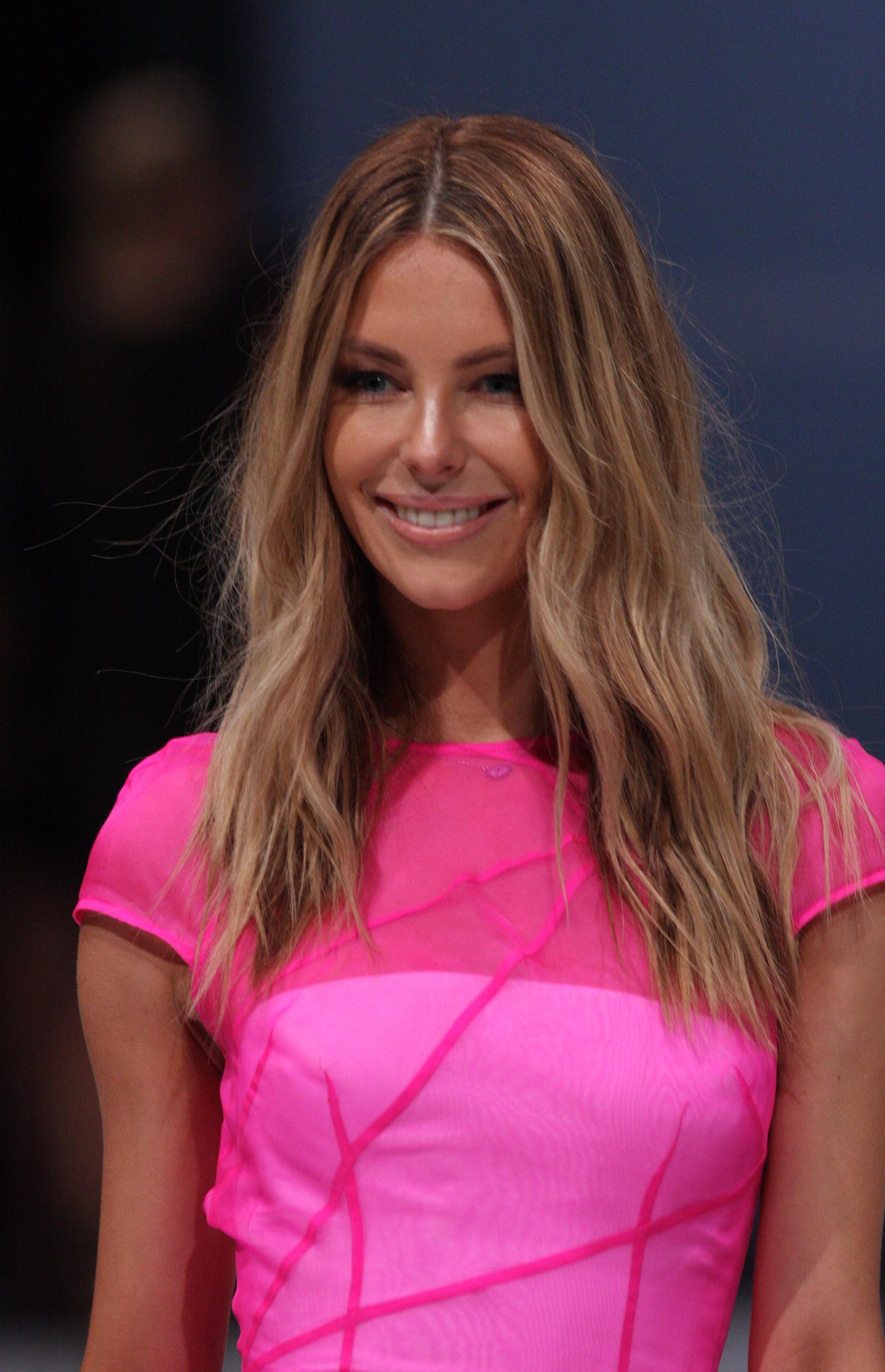 Photo of Jennifer Hawkins: Australian beauty queen, model and television presenter