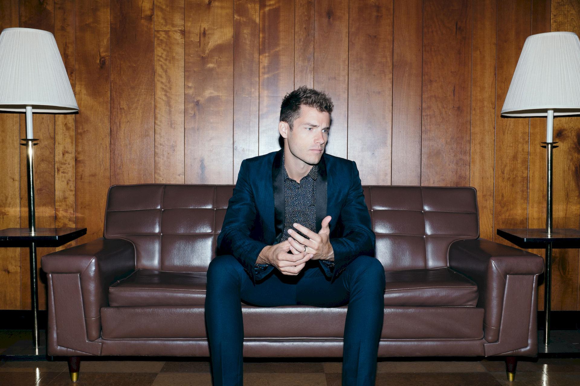 Photo of Jon McLaughlin: American musician