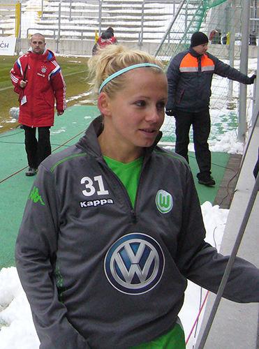 Photo of Julia Simic: Professional women's footballer