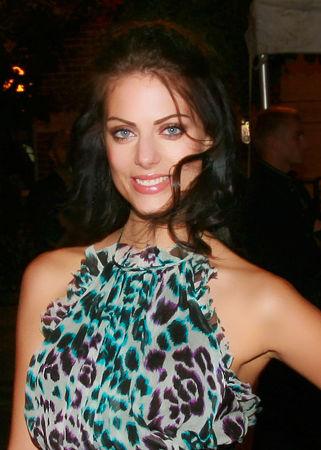 Photo of Julia Voth: Actress, model