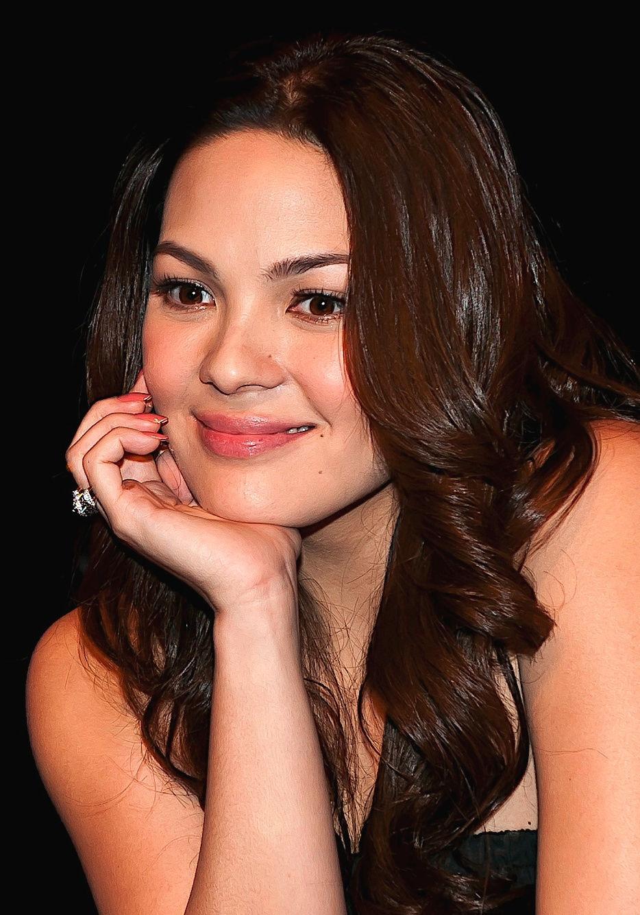 Photo of KC Concepcion: Filipina actress and singer