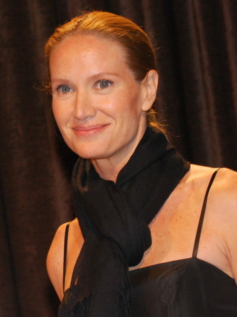 Photo of Kelly Lynch: American actress
