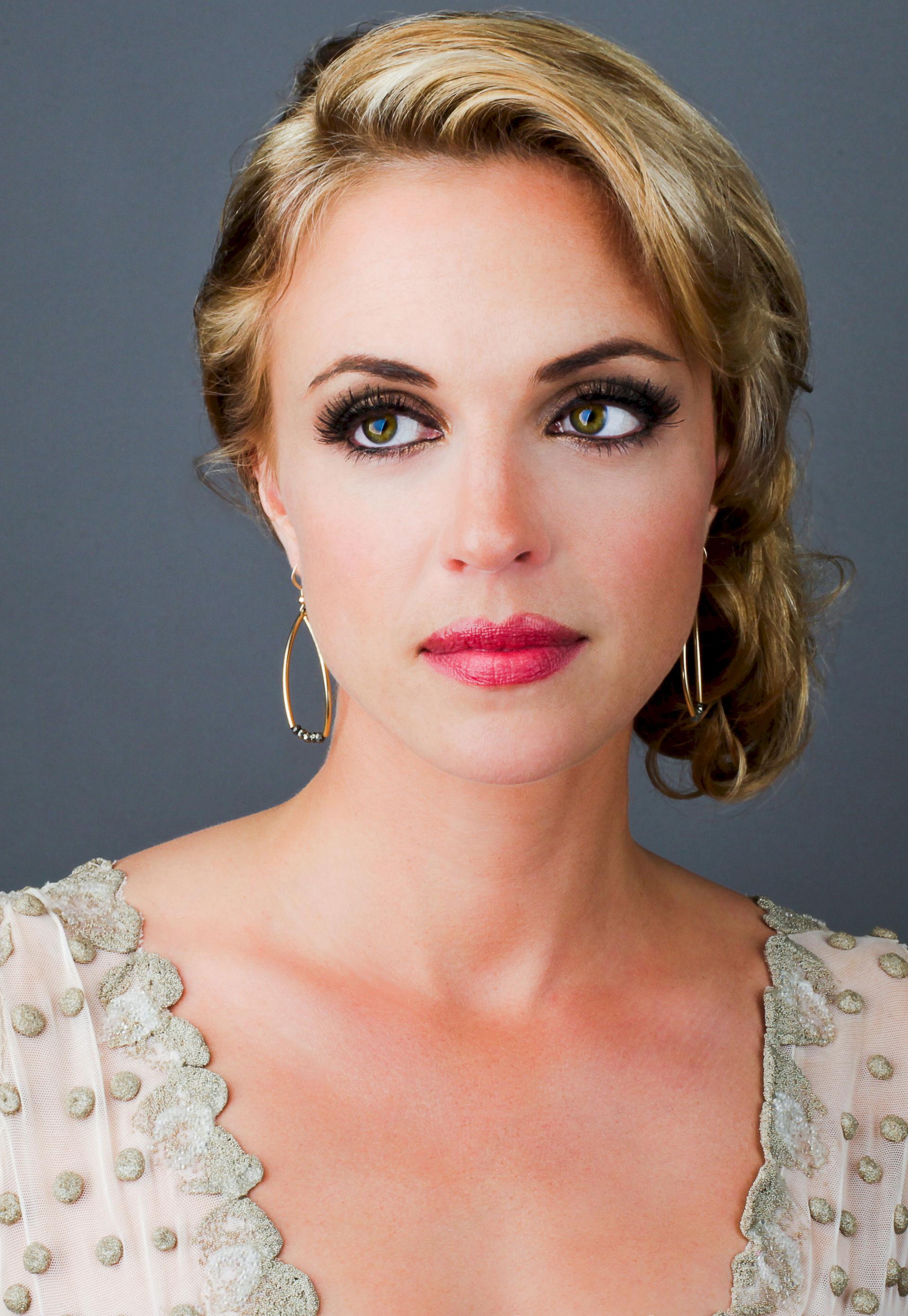 Photo of Kelly Sullivan (actress): American actress