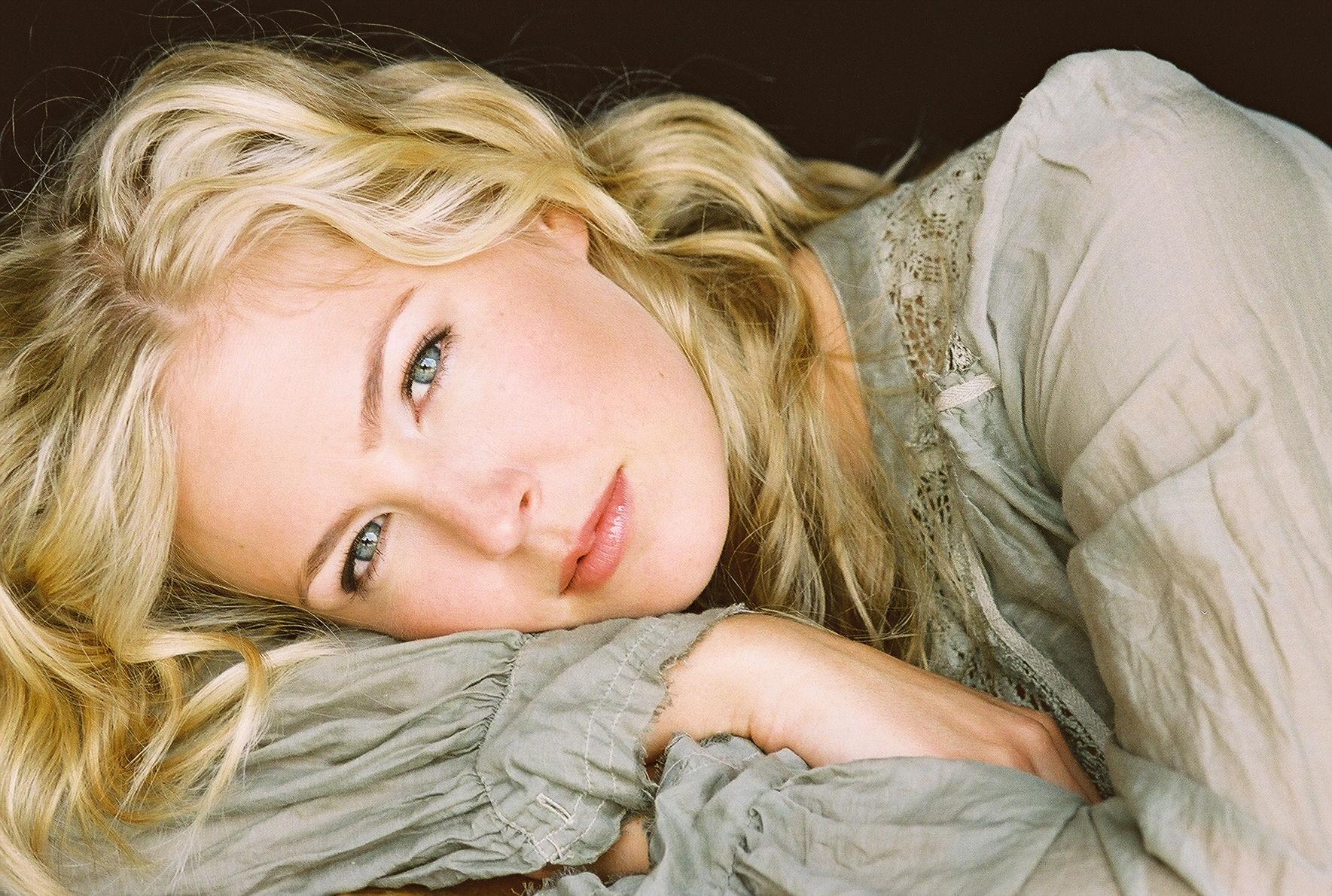 Photo of Keri Lynn Pratt: American actress