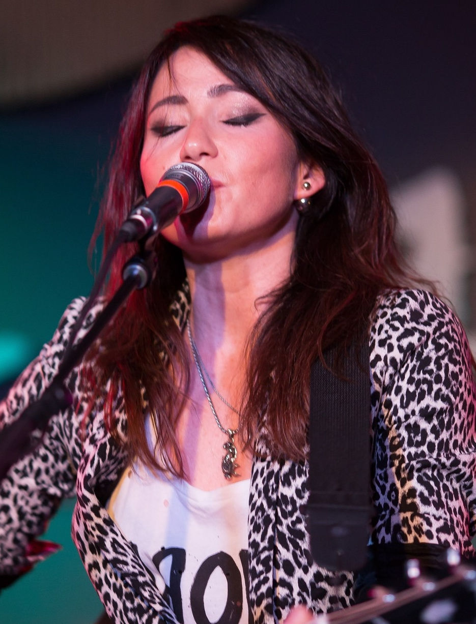 Photo of KT Tunstall: Scottish singer-songwriter and guitarist