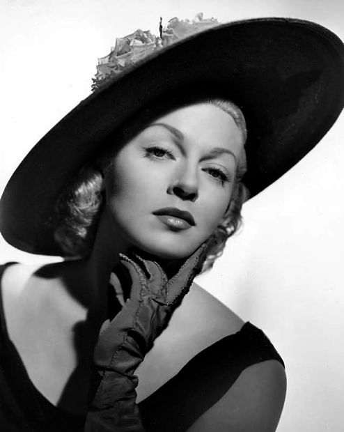 Photo of Lana Turner: American actress