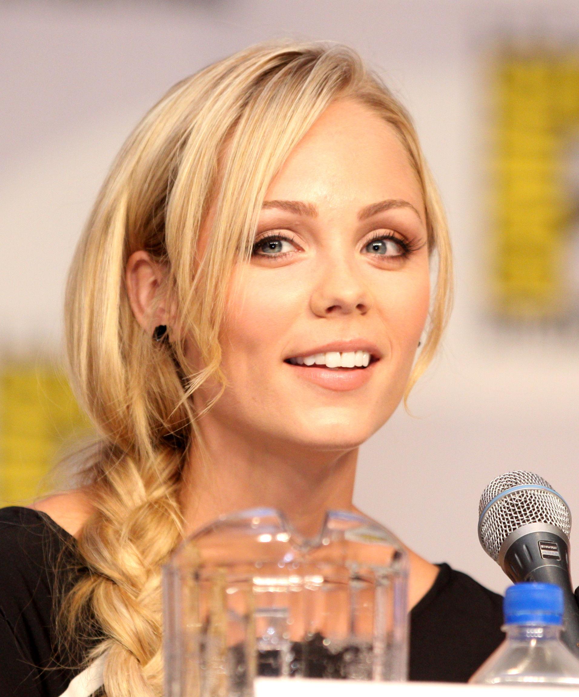 Photo of Laura Vandervoort: Canadian actress