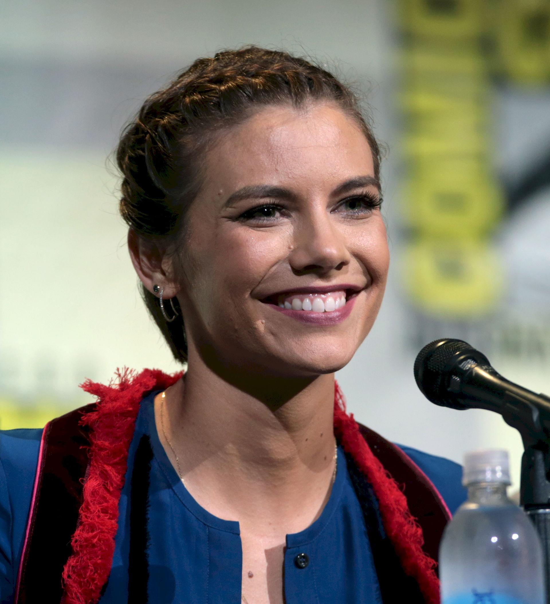Photo of Lauren Cohan: American-British actress
