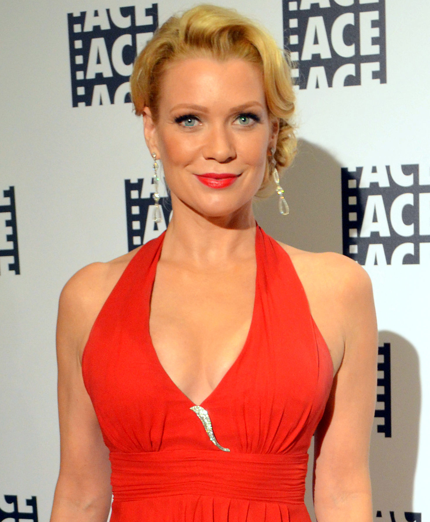 Photo of Laurie Holden: Actress