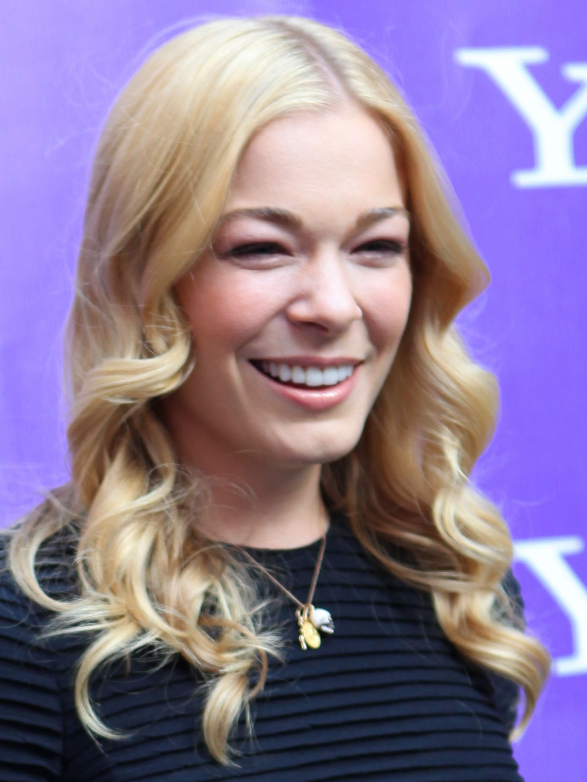 Photo of LeAnn Rimes: American singer, songwriter, actress