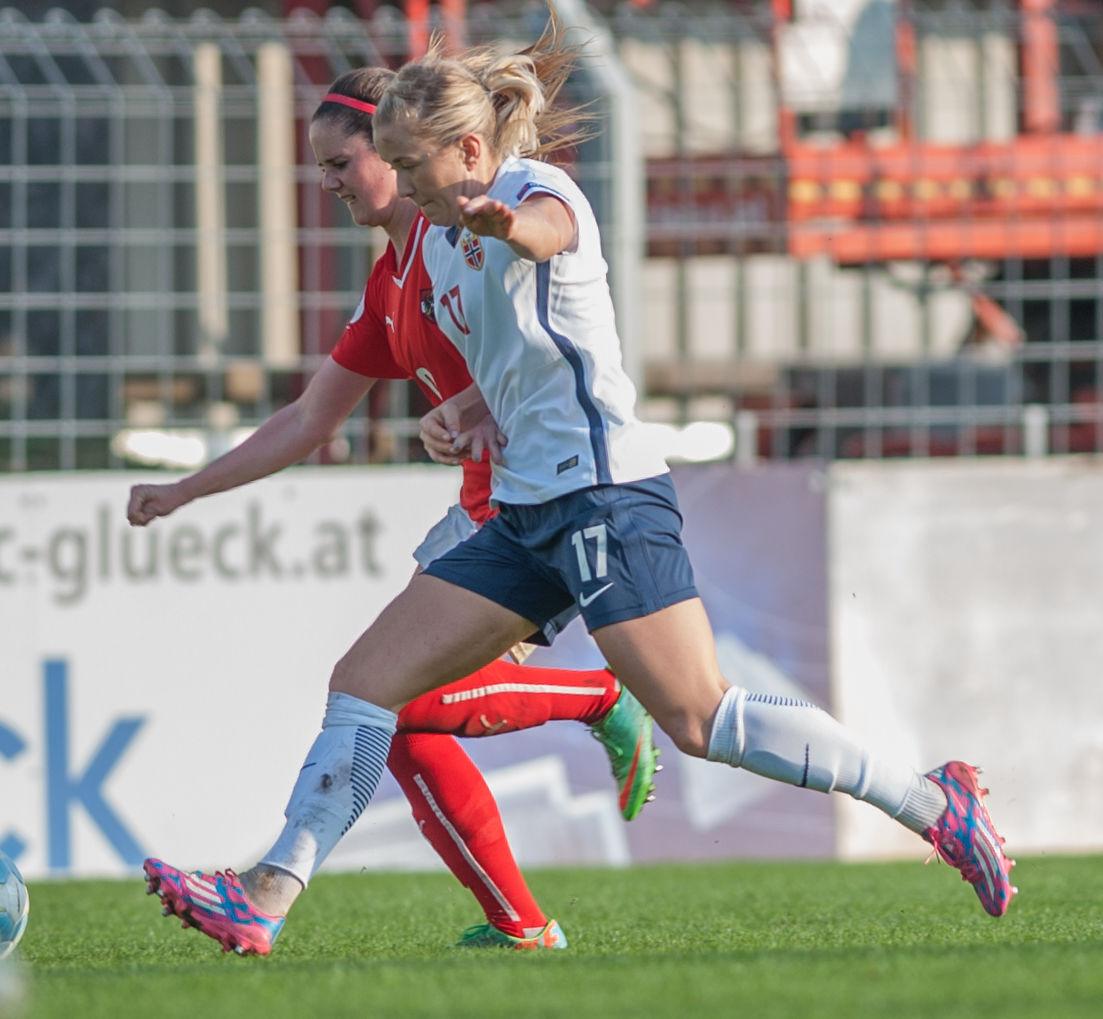 Photo of Lene Mykjåland: Norwegian footballer