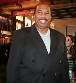 Photo of Leslie David Baker: American actor