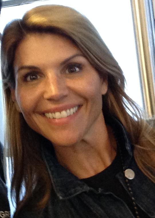 Photo of Lori Loughlin: Actress